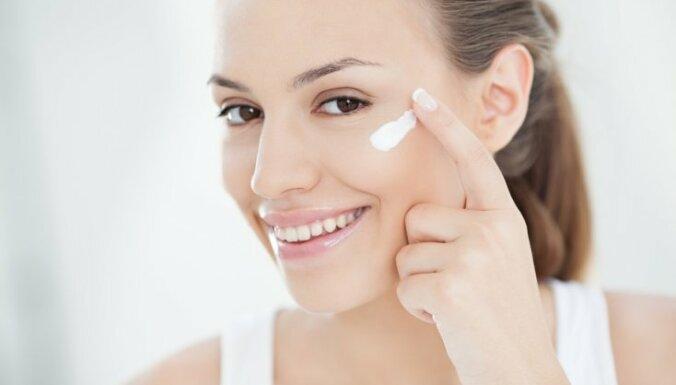 Привычки, которые негативно влияют на кожу вокруг глаз
