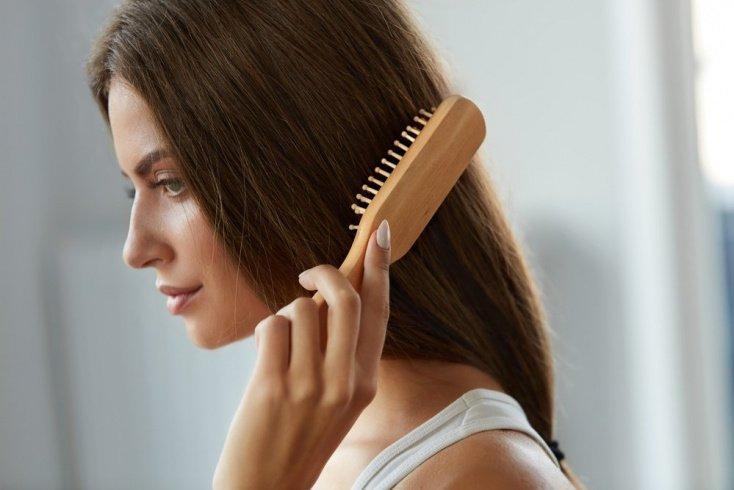 Почему волосы после 30 лет начинают редеть