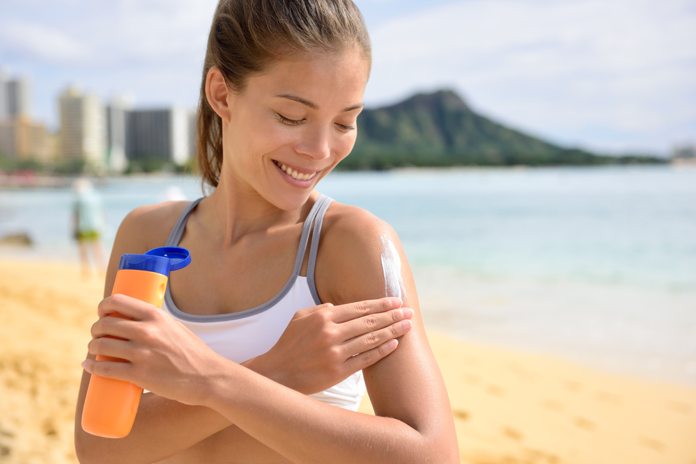 Почему мы обгораем даже с солнцезащитным кремом