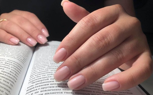 Полезные процедуры, если у вас ломкие ногти