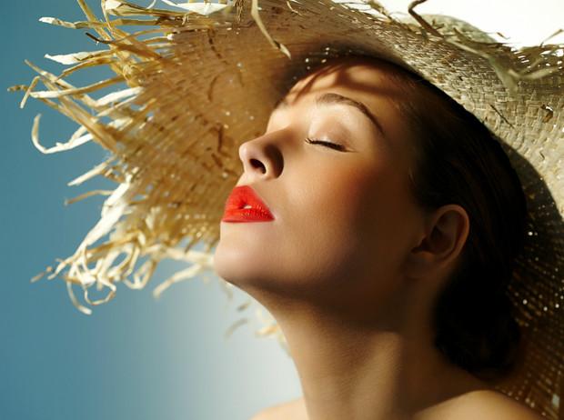 5 косметических средств, которыми опасно пользоваться летом