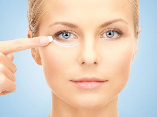Подтяжка век: рецепты молодости глаз