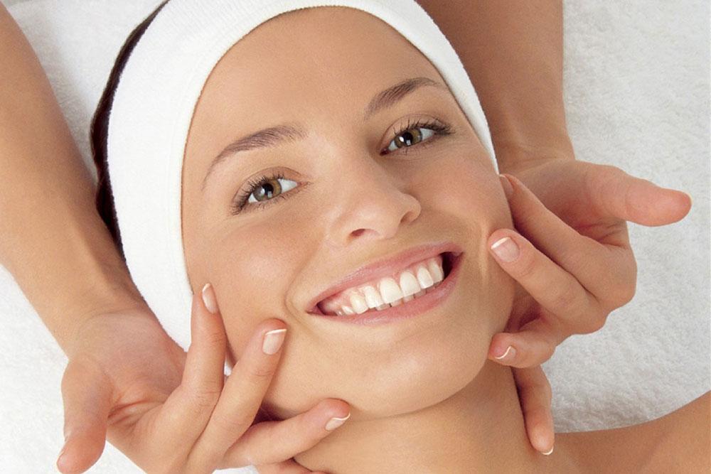 6 проблем с кожей, которые исправляет массаж лица