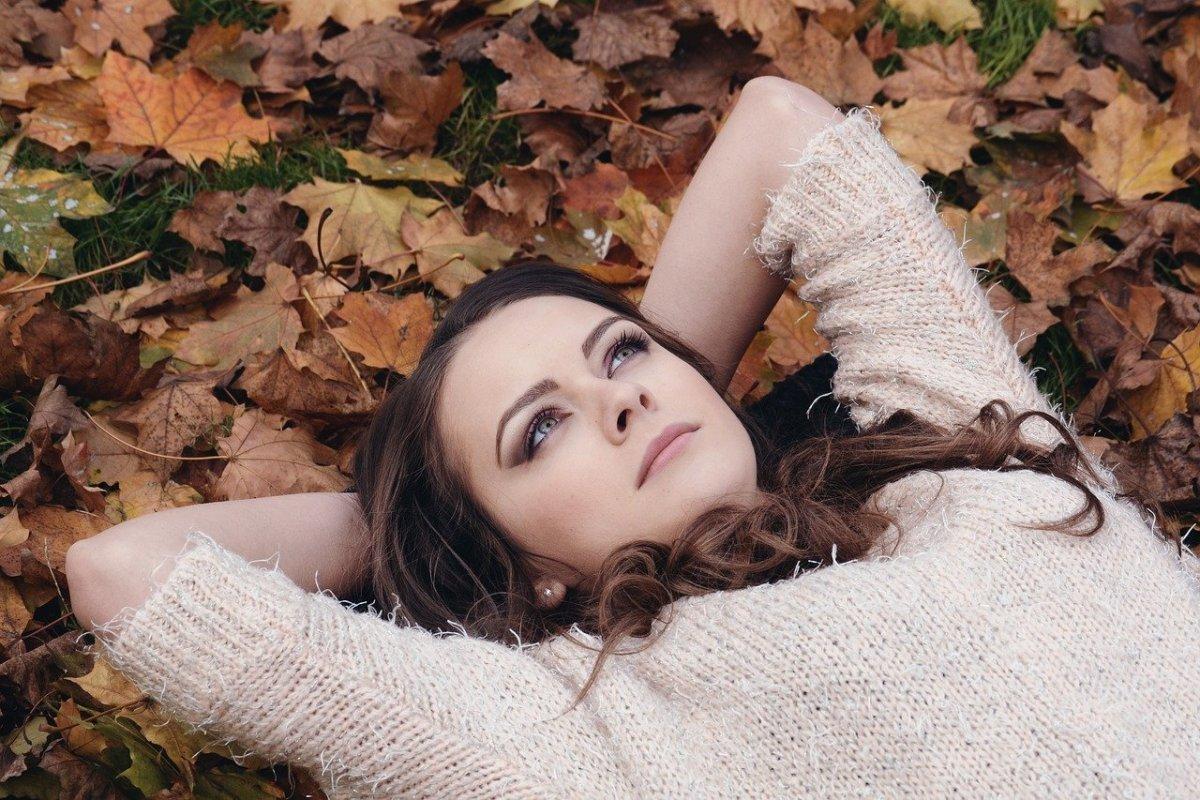 Какой уход необходим коже лица осенью
