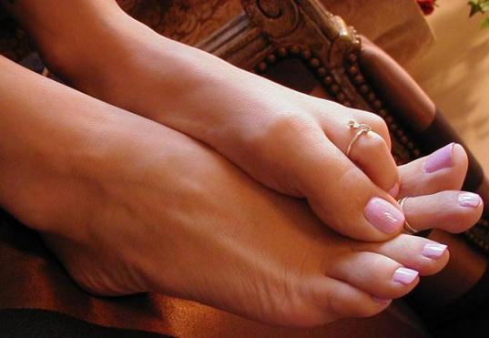 Утолщение ногтей: причины и лечение