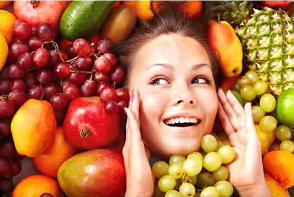Есть, чтобы не стареть: 10 продуктов, которые продлят молодость вашей кожи