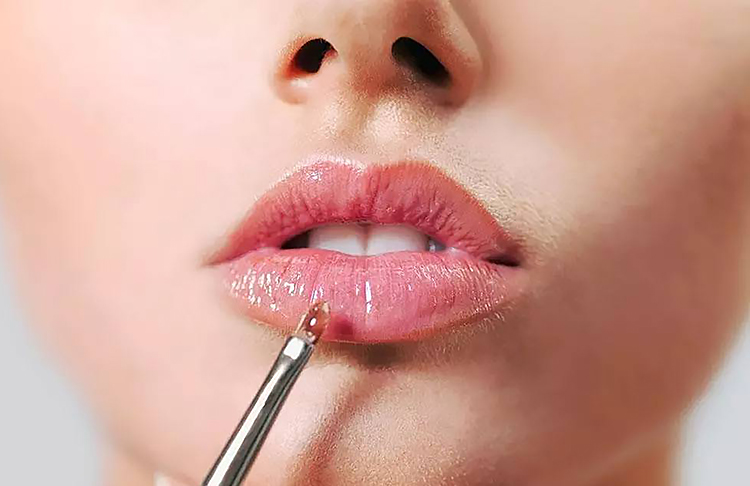 Красота: 5 секретов ухода за губами