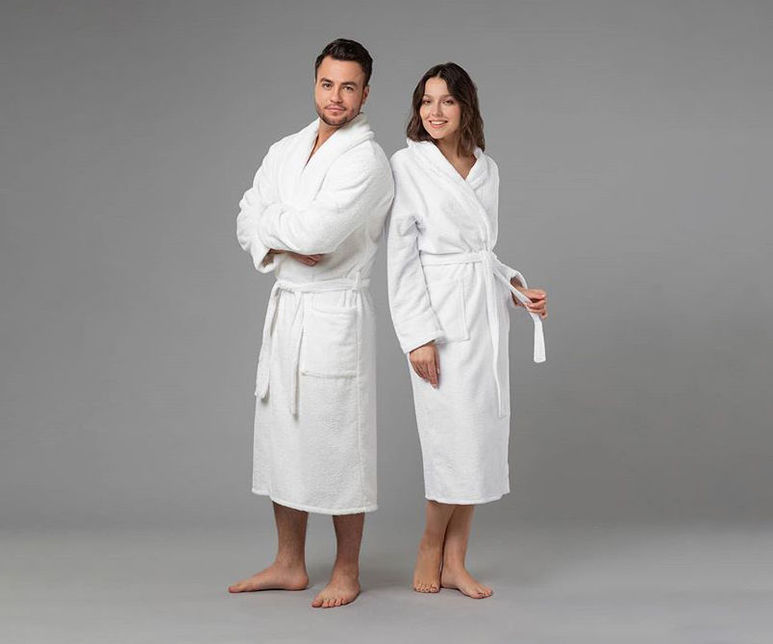 Махровые халаты — необходимая вещь