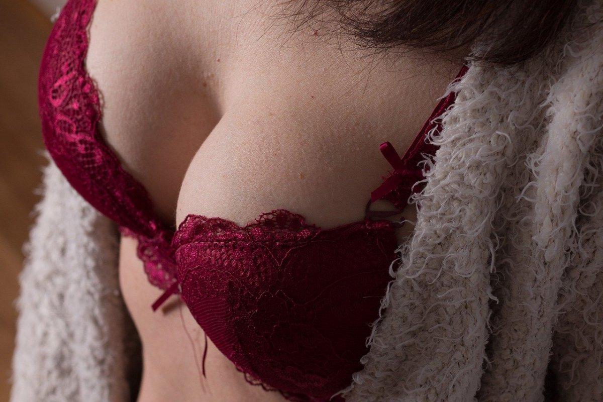 Большие импланты: какие проблемы со здоровьем сулит огромная грудь