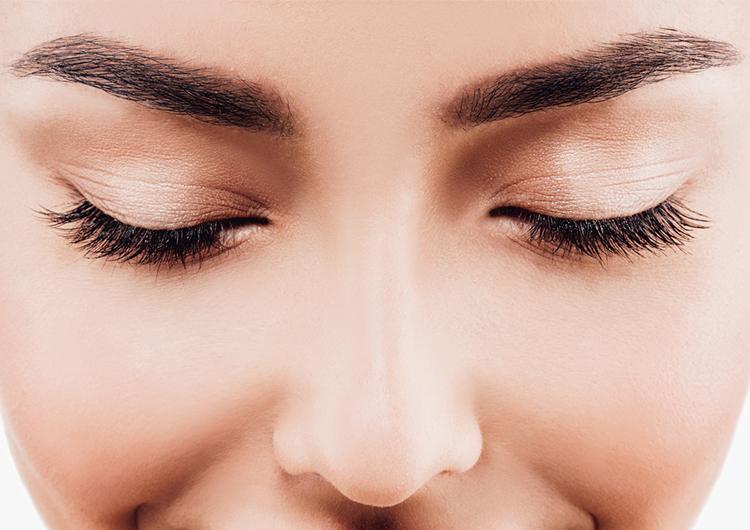 4 способа, которые помогут устранить темные круги под глазами