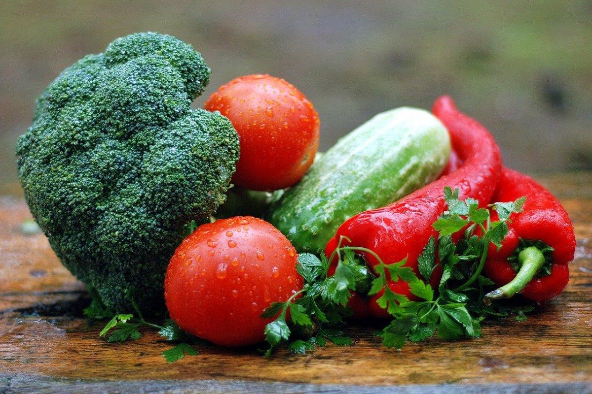 Диетологи назвали лучшие овощи для снижения веса